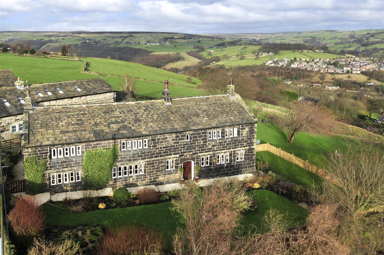 Raw End Farm Luddendenfoot